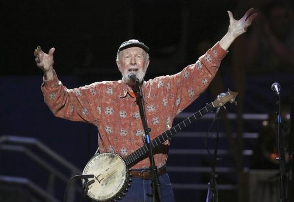Pete Seeger en un concierto en Nueva York en su 90 cumpleaños en 2009.