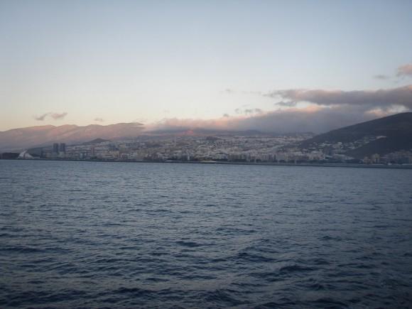 Santa Curz de Tenerife desde el mar. Foto: Rolando Enriquez