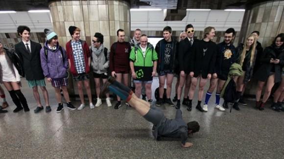 Día sin pantalones en el metro