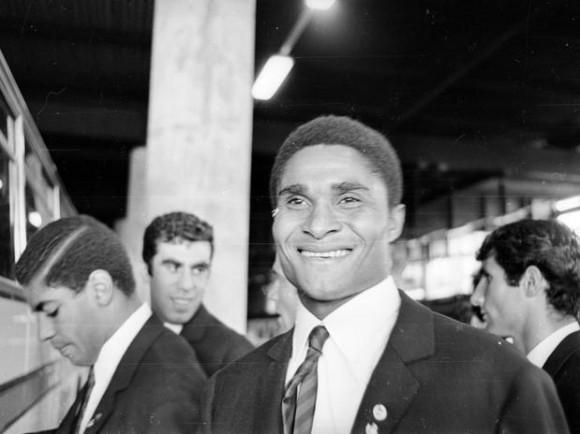 Nacido en Maputo, Mozambique, en enero de 1942, Eusebio tuvo 7 hermanos