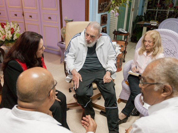 Fidel Castro Ruz, líder histórico de la Revolución, recibió a Desiré Delano Bouterse, Presidente de la República de Suriname, quien asistió a la II Cumbre de la Comunidad de Estados Latinoamericanos y Caribeños que acaba de concluir en La Habana. Foto: Alex Castro