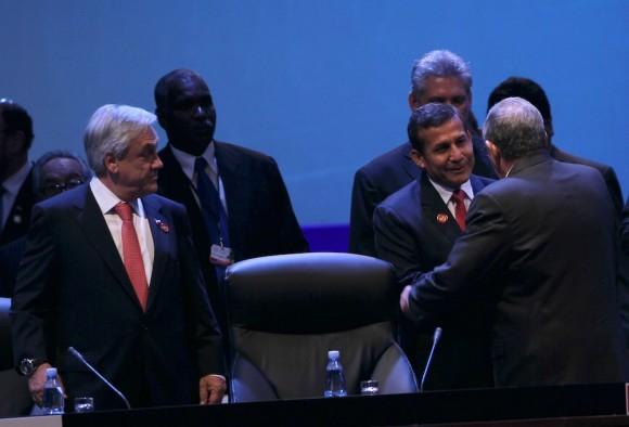 Los presidentes de Chile y Perú. Foto: Ismael Francisco/ Cubadebate