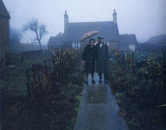 La octava imagen de la serie de doce realizada en 1973 por el fotógrafo Ken Griffiths.