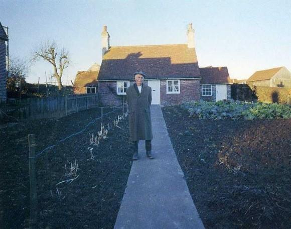 La última imagen de la serie de doce realizada en 1973 por el fotógrafo Ken Griffiths.
