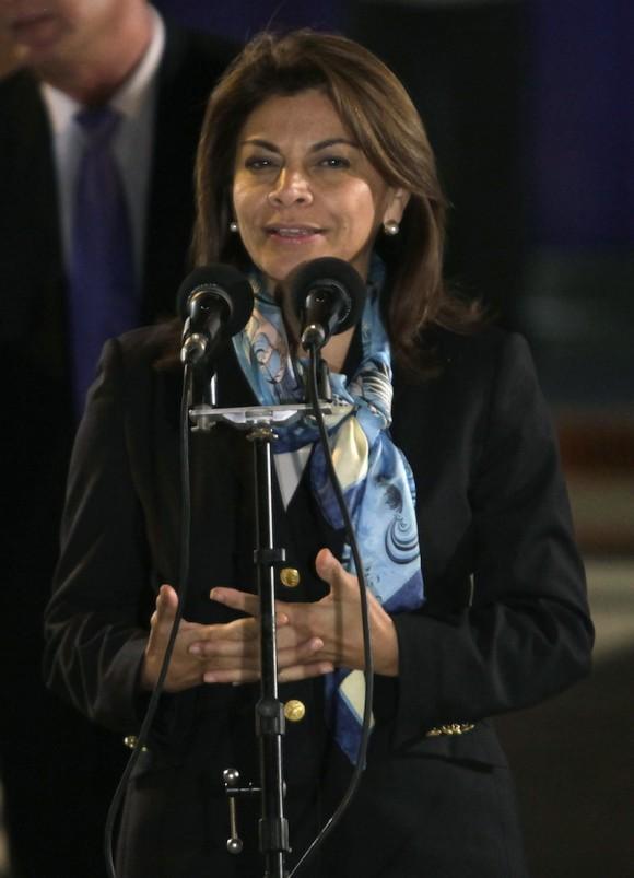 La presidenta de Costa Rica, Laura Chinchilla, al llegar a La Habana. Foto: Franklin Reyes/ AP