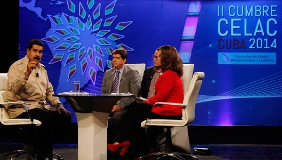 Maduro con los jóvenes periodistas cubanos. Foto: Indira Guerrero/ Noticias 24