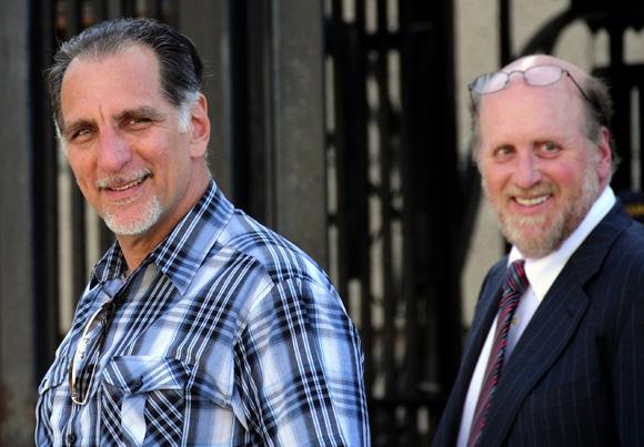 René González junto a su abogado Phillip Horowitz durante los trámites para renunciar a la ciudadanía estadounidense. Foto: Ladyrene Pérez/Cubadebate.