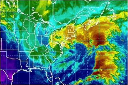 Fig. No. 2- ¨Athena¨ fue la primera tormenta invernal nombrada en noviembre de 2012 por The Weather Channel. Obsérvese la poca definición general del sistema meteorológico (foto: NOAA).