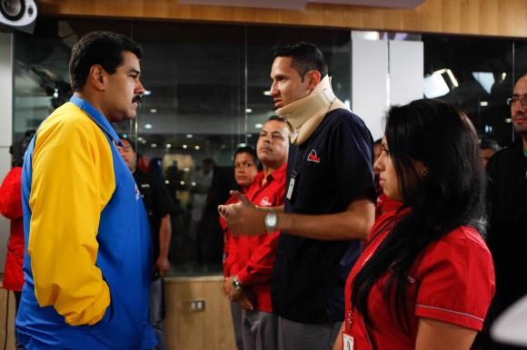 Maduro denuncia los planes violentos y expulsa a tres diplomáticos norteamericanos.