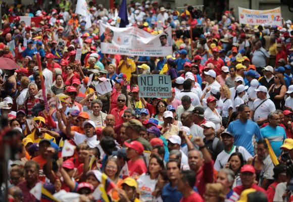 Manifestación de venezolanos de la Tercera Edad