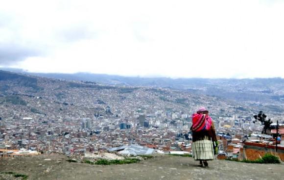 Desde El Alto comenzamos a ver la majestuosidad de una ciudad como La Paz. Foto: Kaloian.