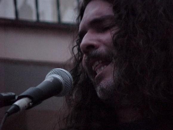 """Santiago Feliú en """"A guitarra limpia"""", del Centro Pablo. Foto: Centro Pablo."""
