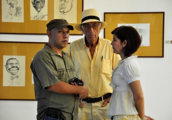 Ares junto a Eugenio Posada, hermano de José Luis. Foto: Roberto Garaycoa / Cubadebate.