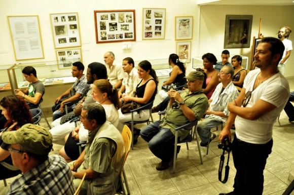 Taller por el aniversario del Dedeté. Foto: Roberto Garaycoa / Cubadebate.