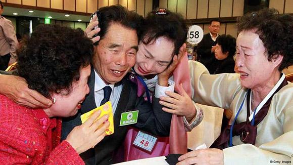 El 80 por ciento de los interesados en esos encuentros familiares tiene más de 70 años. Foto: AP (Archivo).