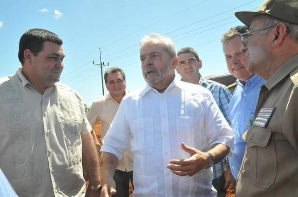 Lula recorriendo Ciego de Ávila. Foto tomada del sitio de Facebook de Idania la periodista avileña Lula