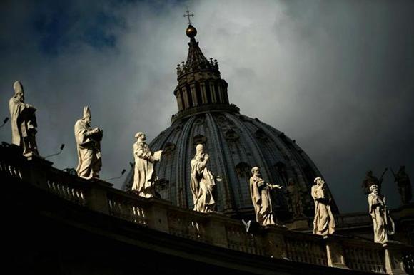 La Santa Sede recibió duras críticas por los abusos sexuales cometidos por sacerdotes contra niños. Foto: ANSA (Archivo).
