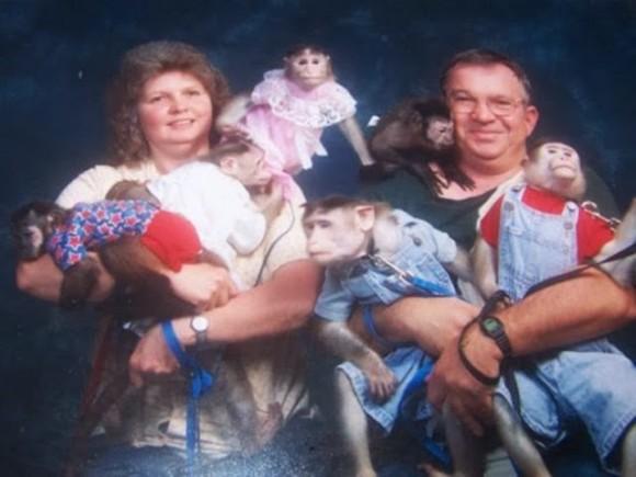 The-21-Most-Awkward-Family-Photos17