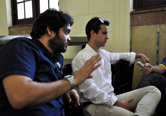 Alejandro (en primer plano) y Camilo: la esencia del GIIB. Foto: Roberto Garaycoa.