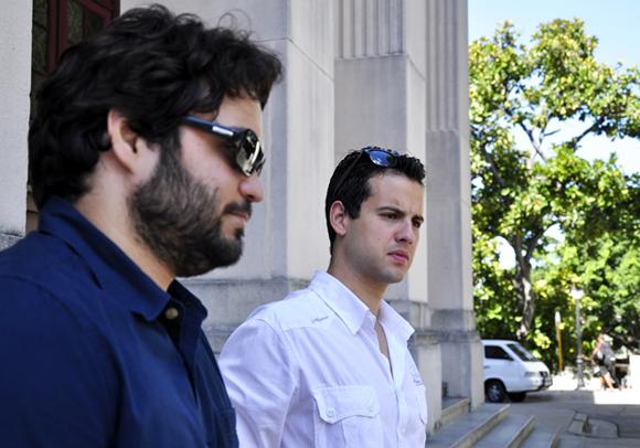 Las caras visibles del GIIB, Alejandro (izquierda) y Camilo. Foto: Roberto Garaycoa.