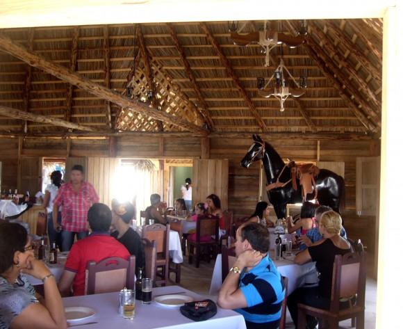 Restaurante Casa del Campesino, Parque el Lago de los Sueños, Camagüey. Foto:  Rafael Cruz Ramos/Cubadebate