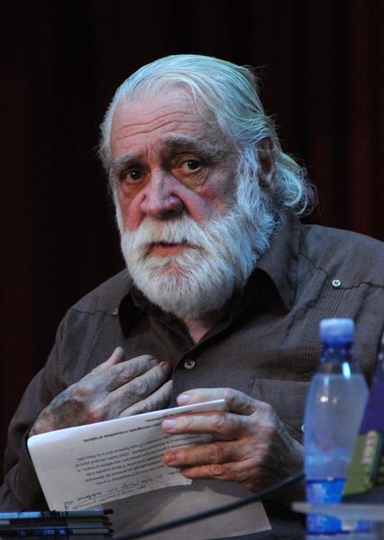 Daniel Chavarría, durante la presentación de los Premios Calendario 2012, sala Nicolás Guillén. Foto: Omara García Mederos / AIN.