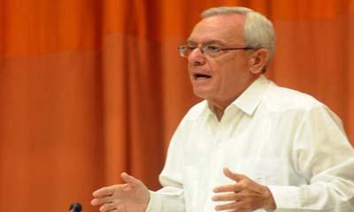 Eusebio Leal Spengler, historiador de la ciudad de La Habana, pronuncia una conferencia magistral durante el primer día de sesiones del IX Congreso Internacional de Educación Superior, en el Palacio de las Convenciones.