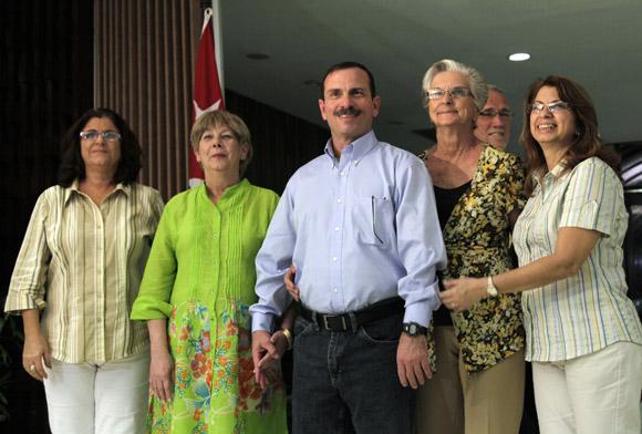 Fernando González ante la prensa cubana a su llegada a la Patria. Foto: Ismael Francisco/Cubadebate