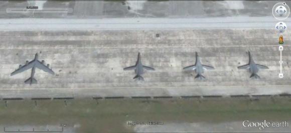 Bombarderos B-1B y B-52H en la base de Andersen, Guam.
