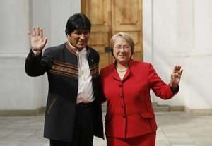 los-presidentes-evo-morales-de-bolivia-y-michelle-bachelet-de-chile-300x207