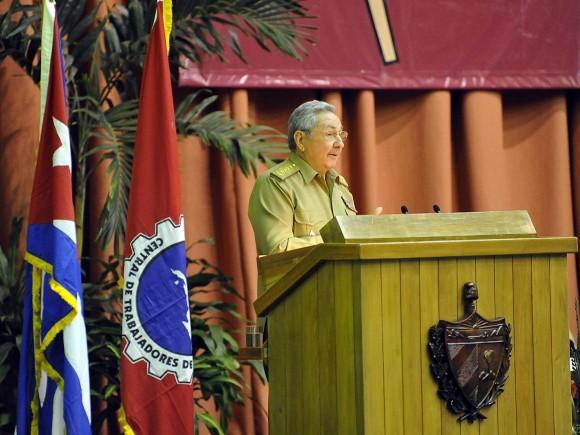 Raúl Castro en el Congreso de la CTC.