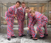 ¿Arlequines? No, es el atuendo del equipo olímpico de curling noruego.