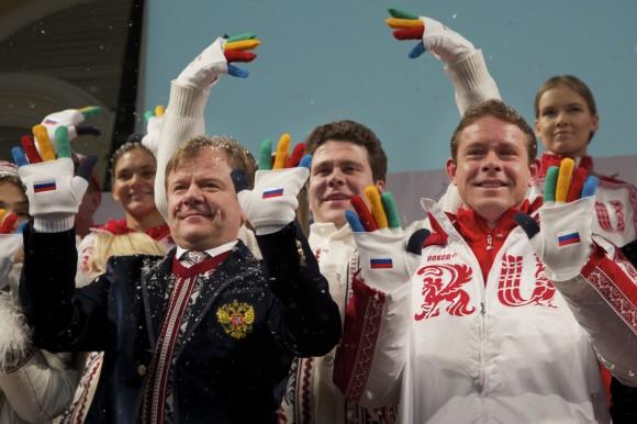 Los uniformes rusos no se quedan atrás... Dedos de colores