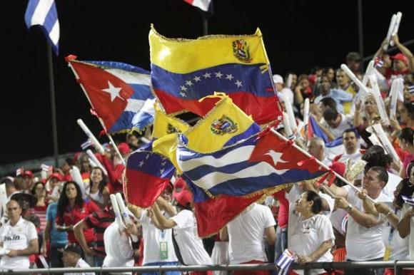 Cuba se acerca a Venezuela al sumar cuatro anotaciones de golpe en Margarita. Foto: Elyxandro Cegarra