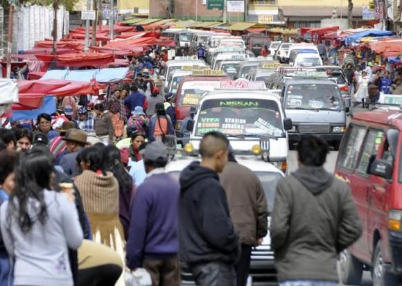 Es famoso el caos vehicular de La Paz. Foto: Kaloian.