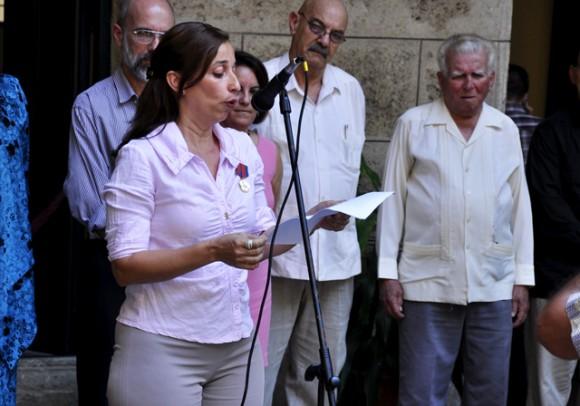 Alina Perera periodista de Juventud Rebelde, hace uso de la palabra parta destacar el trabajop de la Prensa cubana