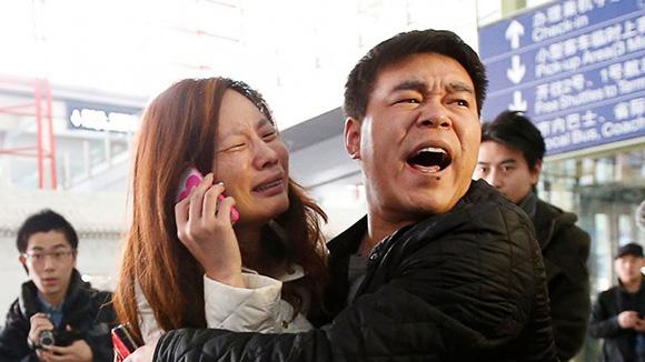 Los familiares de los desaparecidos, desconsolados, no tienen explicaciones plausibles de las autoridades.