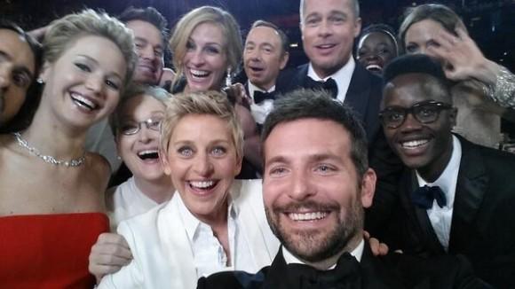La foto que subida a la cuenta de la presentadora de los Oscar Ellen DeGeneres, se convirtió en la imágen más retuiteada de la historia con más de 2 millones 260 mil retuits