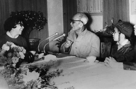 Melba Hernandez con Ho Chi Minh, marzo/1969. Servicio fotográfico de Prensa Latina