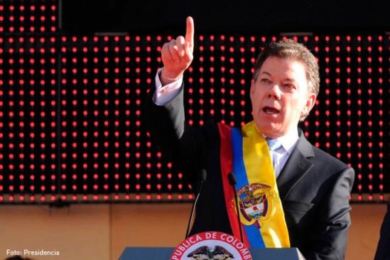 Santos fue el segundo candidato en inscribirse para las elecciones presidenciales.