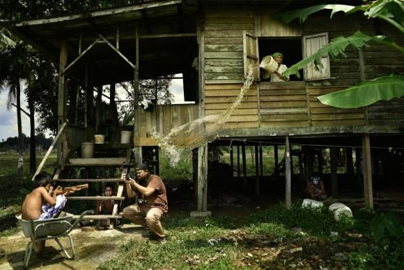 La aldea de Kuantan, Pahang (Malasia), El fotógrafo Hairul Azisi Harun es el ganador de la sección Segundo Congelado.