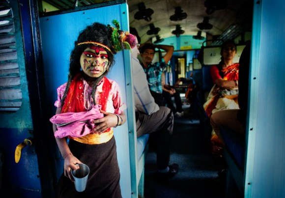 'Poor God', del fotógrafo indio Arup Ghosh, ganadora en la categoría Personas.
