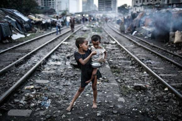 'Life and line', imagen de Turjoy Chowdhury, de Bangladesh, ganador del premio de Medio Ambiente para fotógrafos jóvenes.