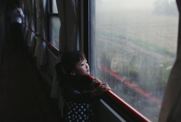Paulina Metzscher gana la categoría Retratos con esta imagen hecha en un tren nocturno en China.