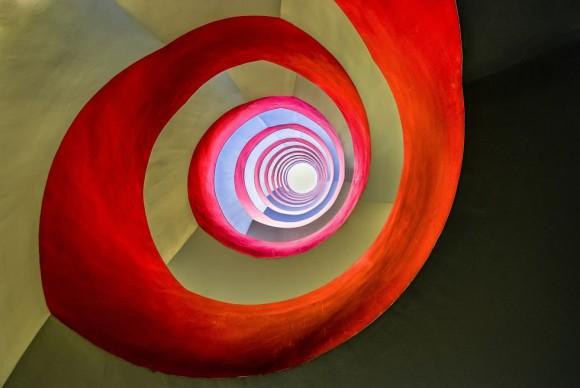 El fotógrafo Holger Schmidtke ha ganado en la categoría Arquitectura con esta imagen que retrata las escaleras de un particular edificio de oficinas en la ciudad de Colonia, Alemania.