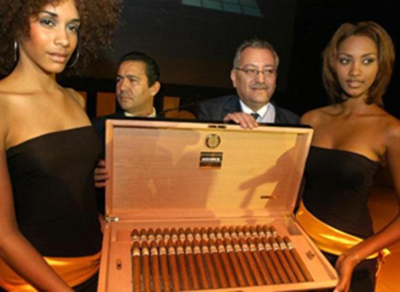 Subasta de humidores con tabacos cubanos