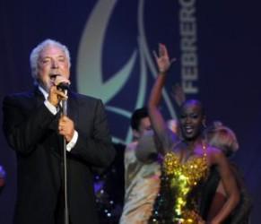 Tom Jones en la clausura del Festival del Habano. Foto: EFE