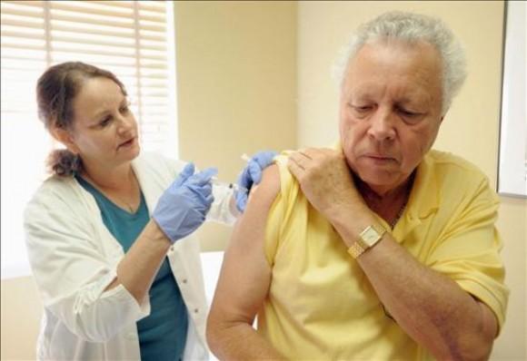 ciencia-cubana_ciencia-de-cuba_campac3b1a-de-vacunacic3b3n-antigripal-2011-2012-en-cuba