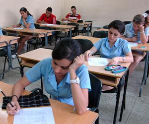 estudiante cojiendo