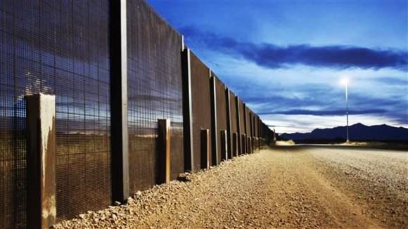 La frontera Arizona-México cerca de Naco, Arizona. Foto: REUTERS